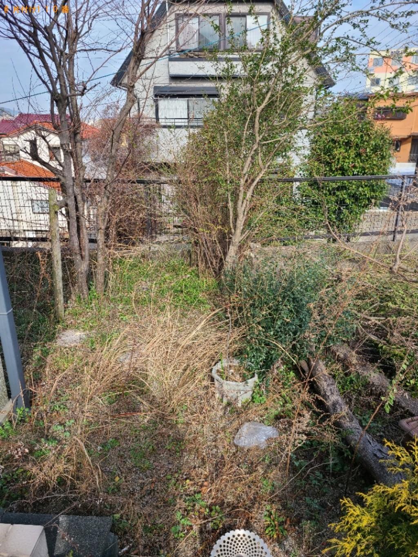 【北九州市戸畑区】草刈り作業と盆栽、鉄板、刈った草の回収ご依頼