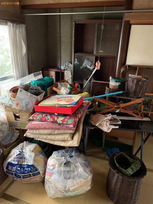 【北九州市小倉南区】本棚、座布団、テーブル、カゴ、椅子等の回収